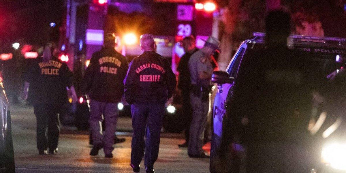 Balacera en Houston deja 5 heridos y dos sospechosos muertos