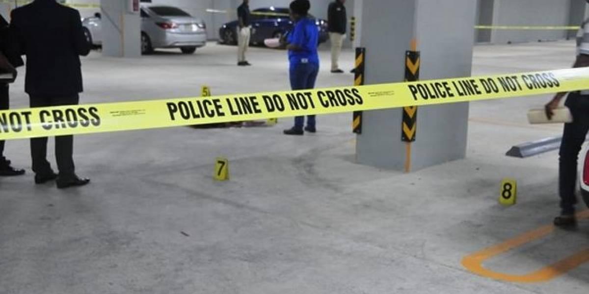 Agente de seguridad da muerte a compañera sentimental y se suicida en Caribe Tours