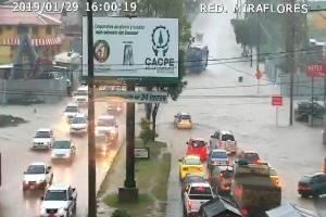 Fuerte lluvia en Cuenca