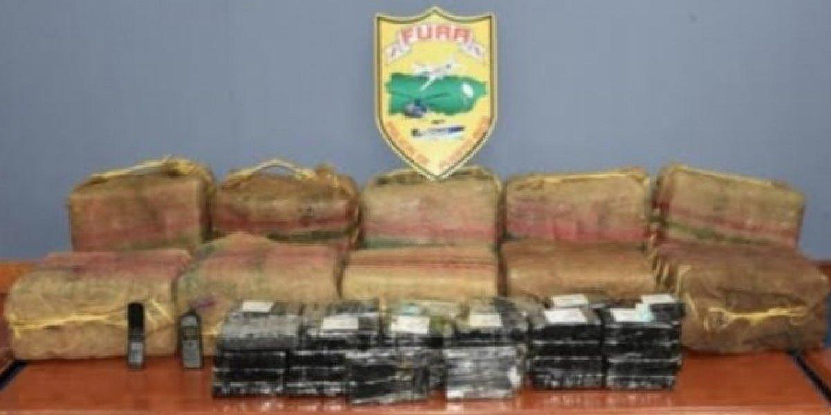 Incautan 12 fardos con 350 bloques de cocaína