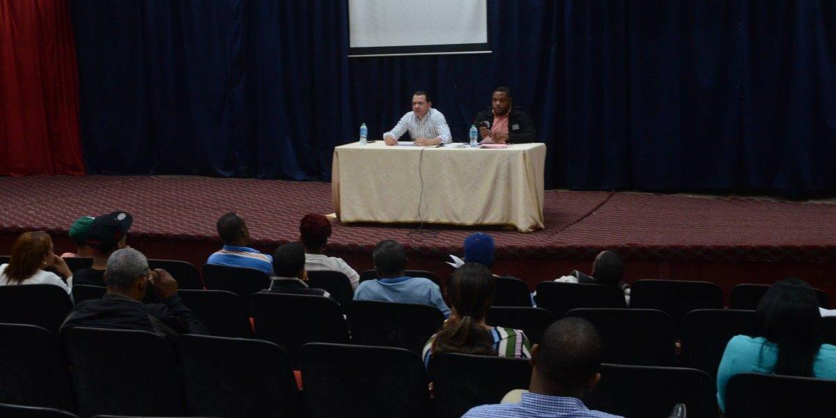 MIP imparte charla de concientización a dueños de centros  de bebidas alcohólicas