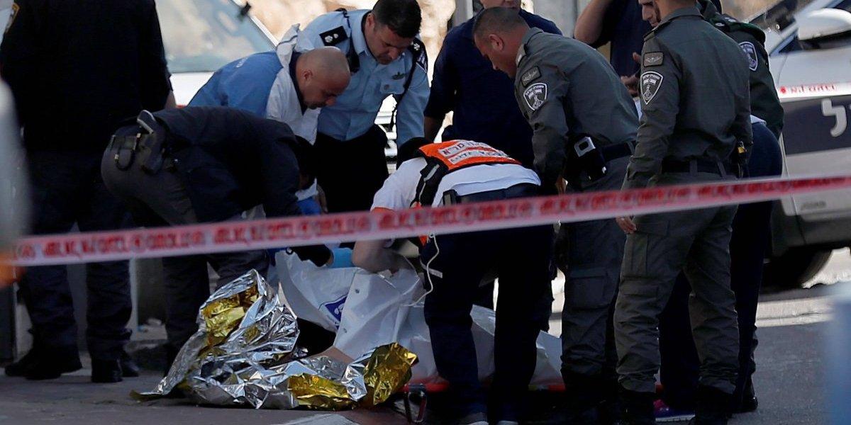 Mujer palestina es baleada por soldados israelíes