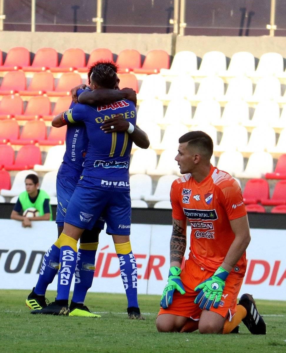 Delfín venció 2-1 a Nacional en Paraguay