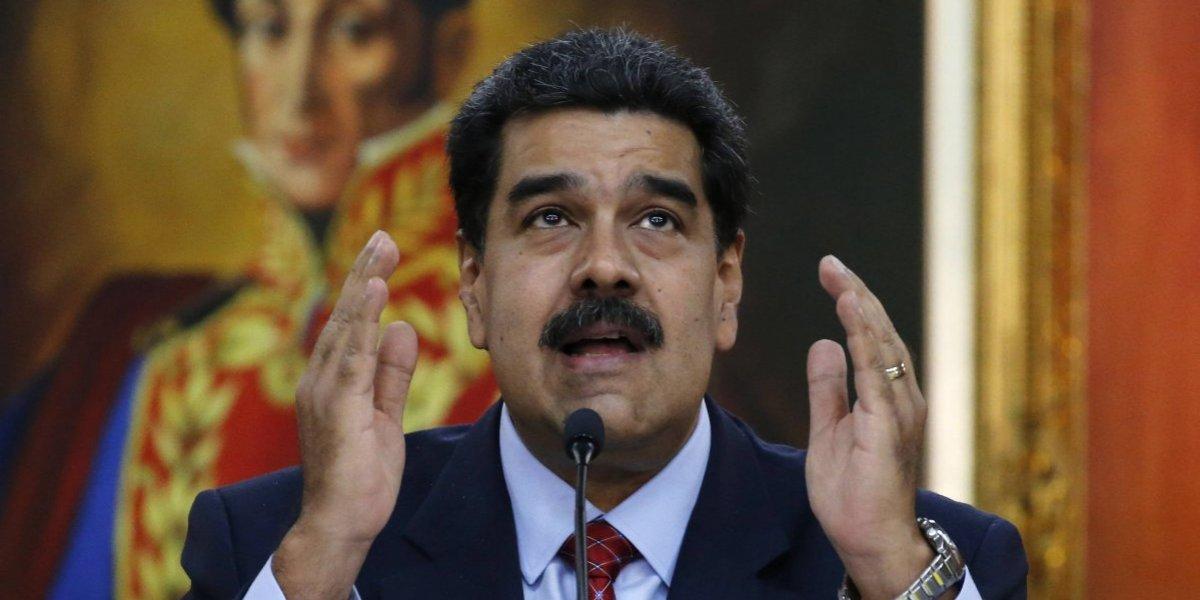 El doble discurso de Nicolás Maduro: acusa a francotiradores de corte de luz pero despide al ministro de Energía Eléctrica