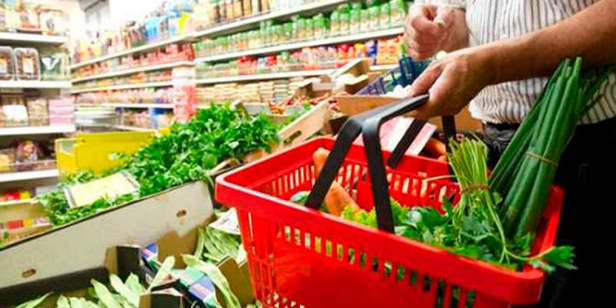 AMLO asegura que la canasta básica será 15% más barata y que ahora tendrá 40 productos