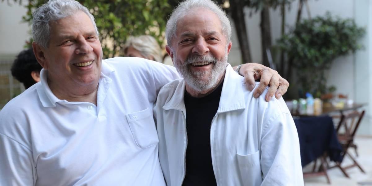 STF deixa Lula se reunir com família após morte do irmão
