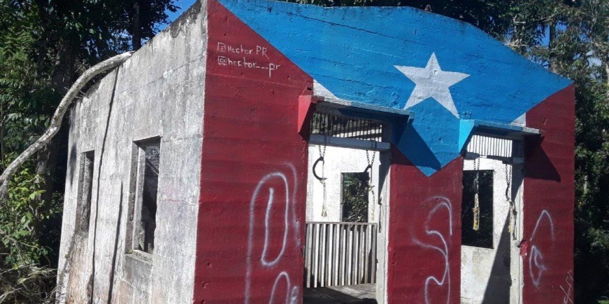Restauran bandera que fue vandalizada en Cidra