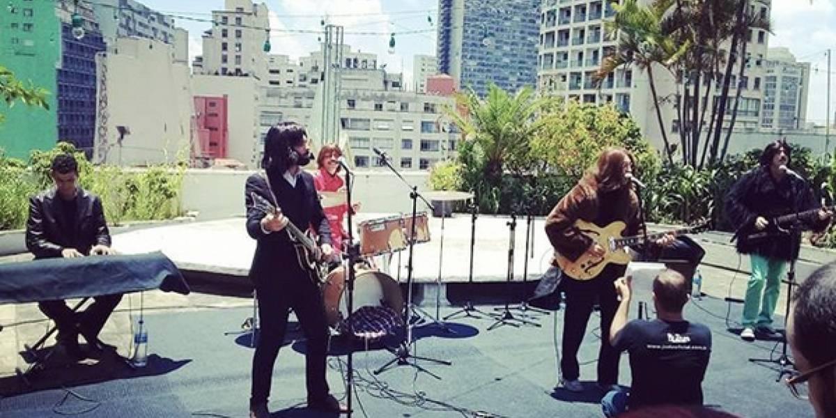 Banda cover recria último show dos Beatles, 50 anos atrás, na cobertura da Galeria do Rock