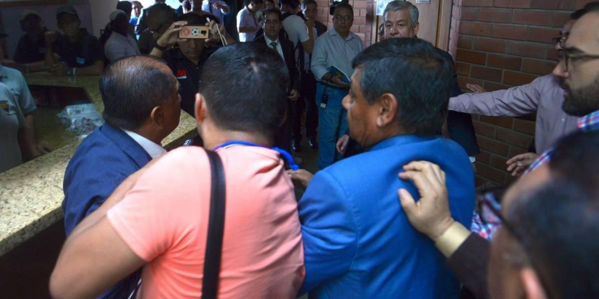 Congreso FEF: dirigentes de Fuerza Amarilla y Liga de Portoviejo se fueron a los golpes