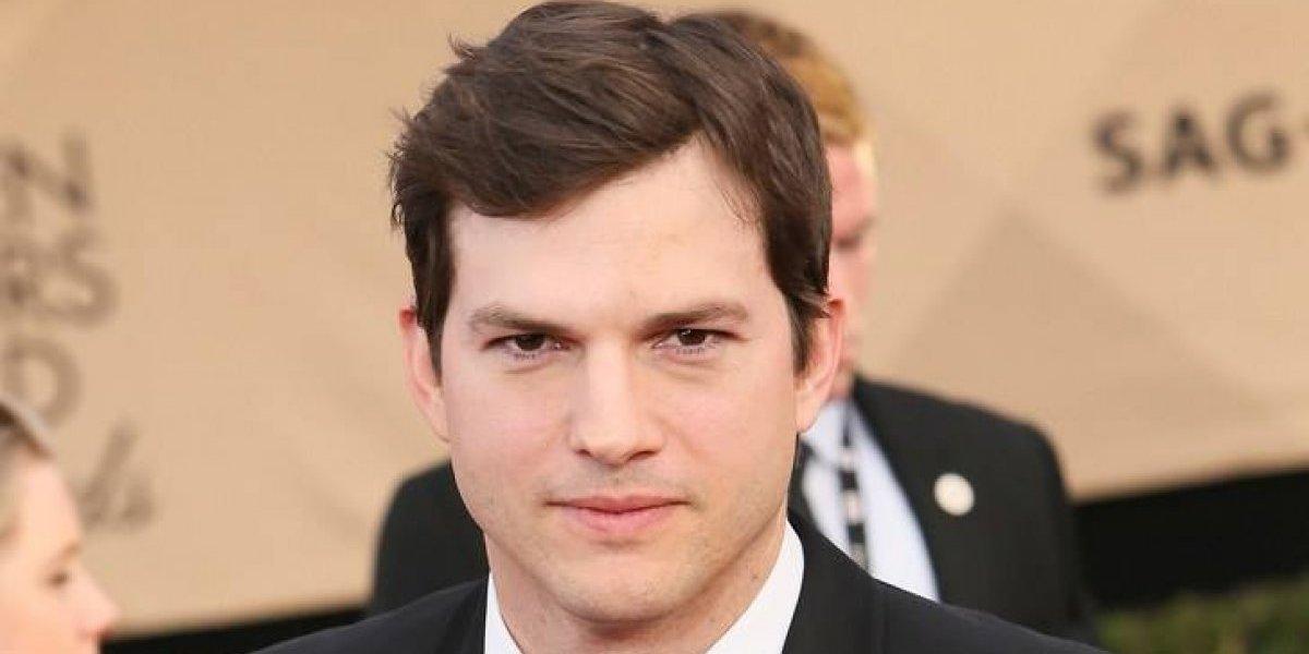 Ashton Kutcher compartió su número de celular por medio de Twitter