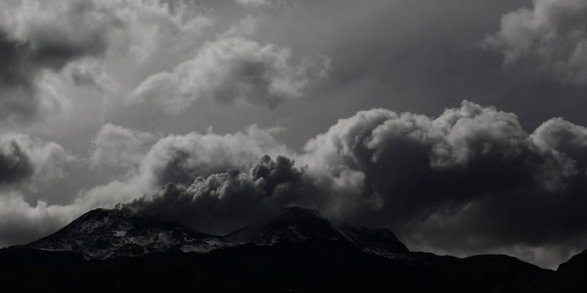 Tras dos pulsos eruptivos mantienen alerta naranja para Nevados del Chillán