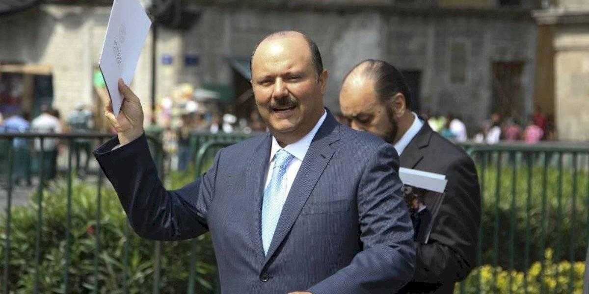 Jenaro Villamil reporta aprehensión de César Duarte; él mismo se desmiente