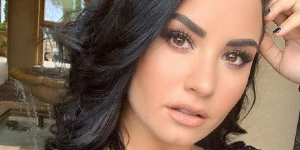 Demi Lovato faz tatuagem especial para comemorar seis meses de sobriedade