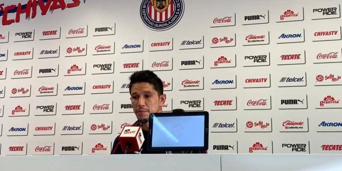 Molina asegura que en Chivas no se siente 'refuerzo estrella'