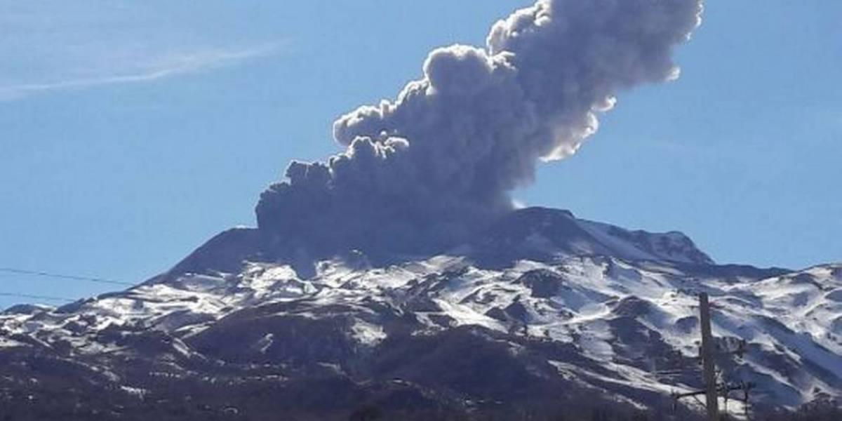 Nevados del Chillán sorprendió con pulso eruptivo y visible fumarola