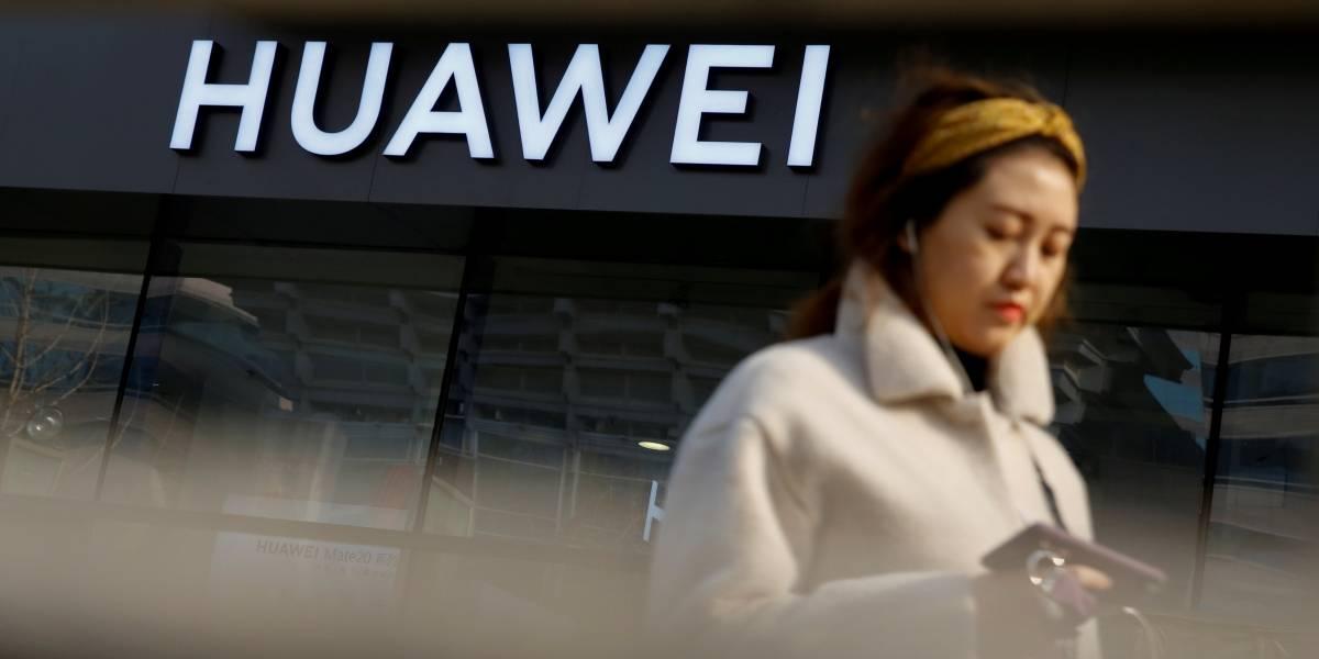 Huawei deve lançar telefone dobrável com capacidade para 5G