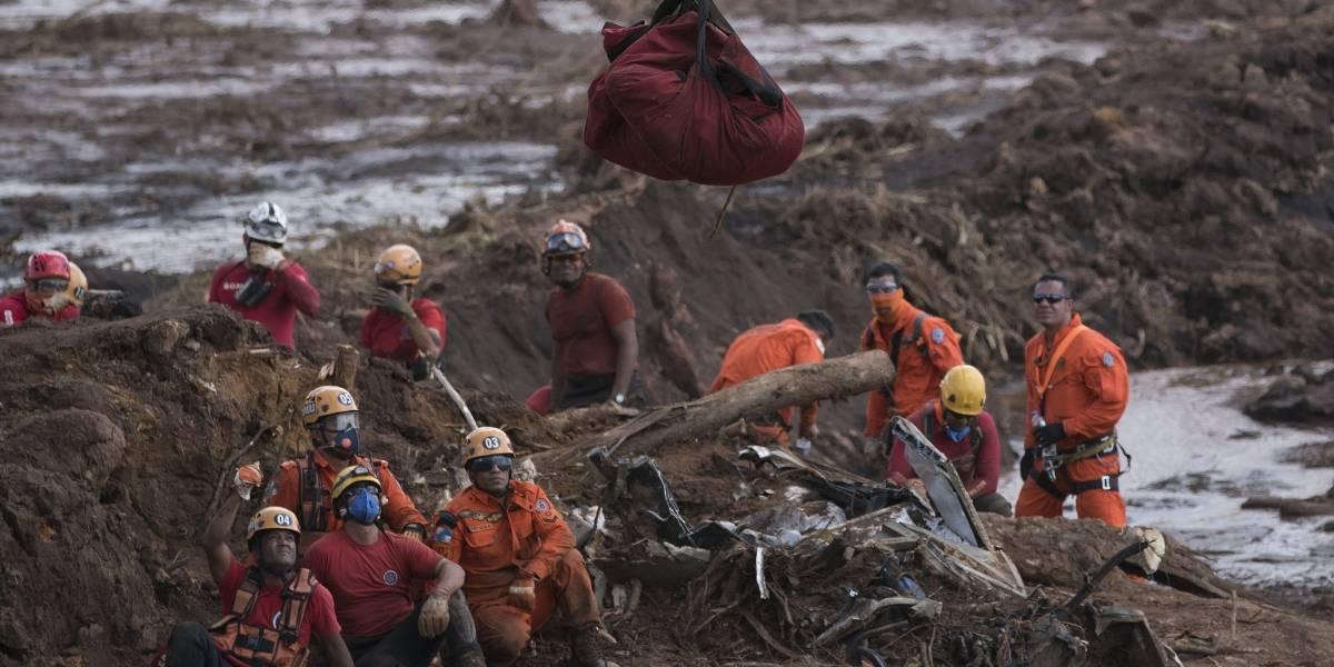 Arrasó con todo a su paso: video muestra el dramático momento en que colapsa la represa minera que dejó más de 100 muertos en Brasil
