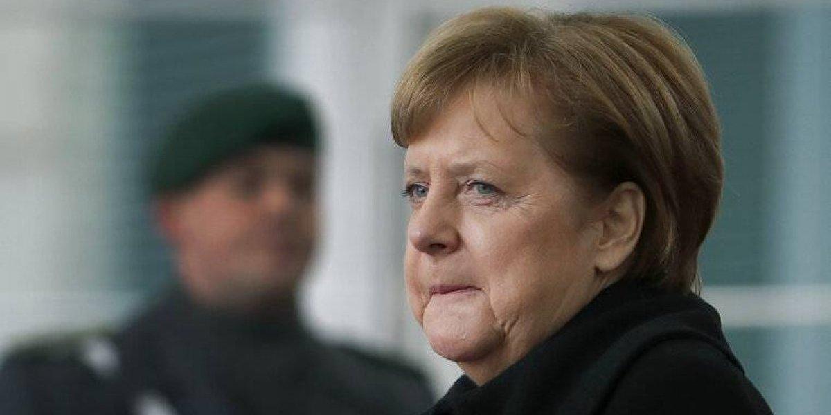 Canciller alemana cierra página personal en Facebook