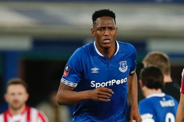 Yerry Mina continúa lesionado con el Everton