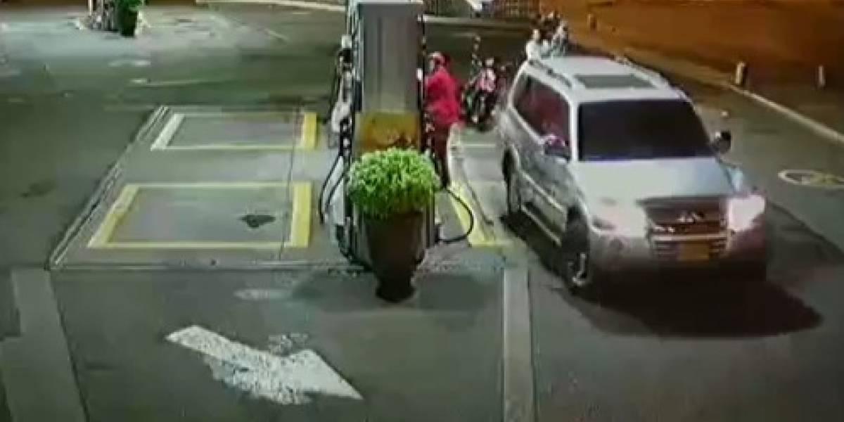 Conductor de camioneta se voló de estación de servicio sin pagar la tanqueada