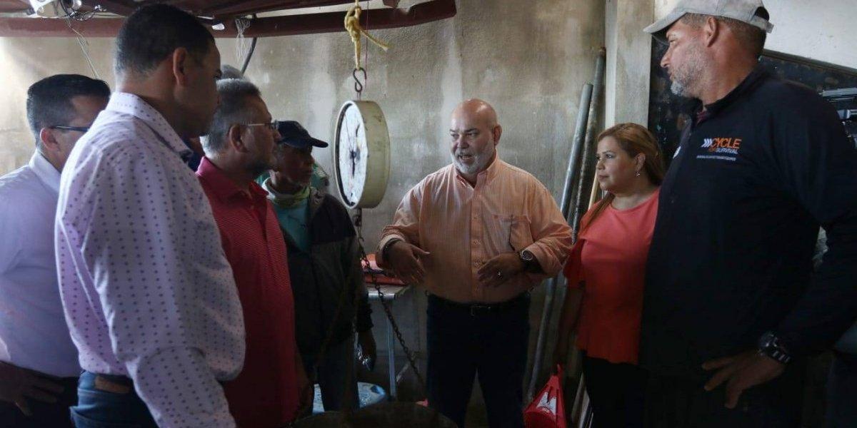 Buscan soluciones a problemática de pescadores del sur