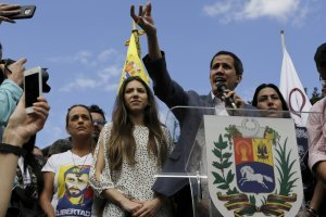 Juan Guaidó, reconocido por gobiernos extranjeros como presidente de Venezuela