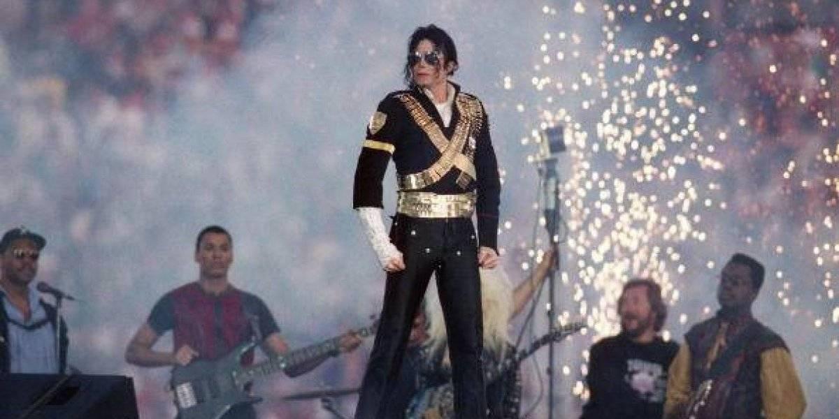 """Revelan fotos de Michael Jackson que abrieron debate sobre la """"pedofilia"""""""