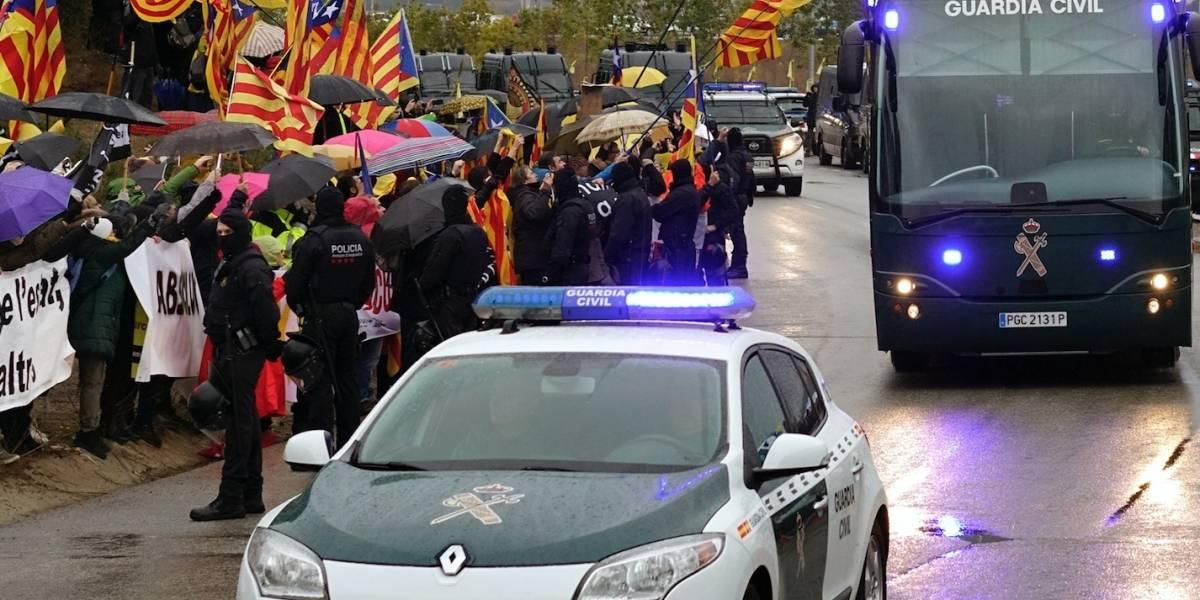 Trasladan a separatistas catalanes a Madrid