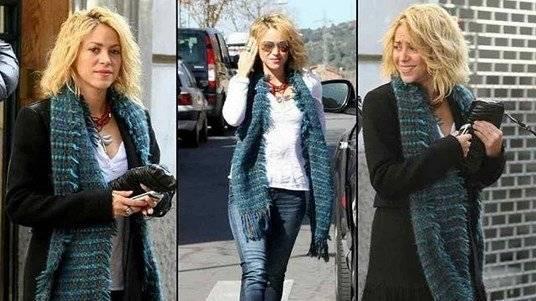 Shakira luce nuevo look y se ve genial