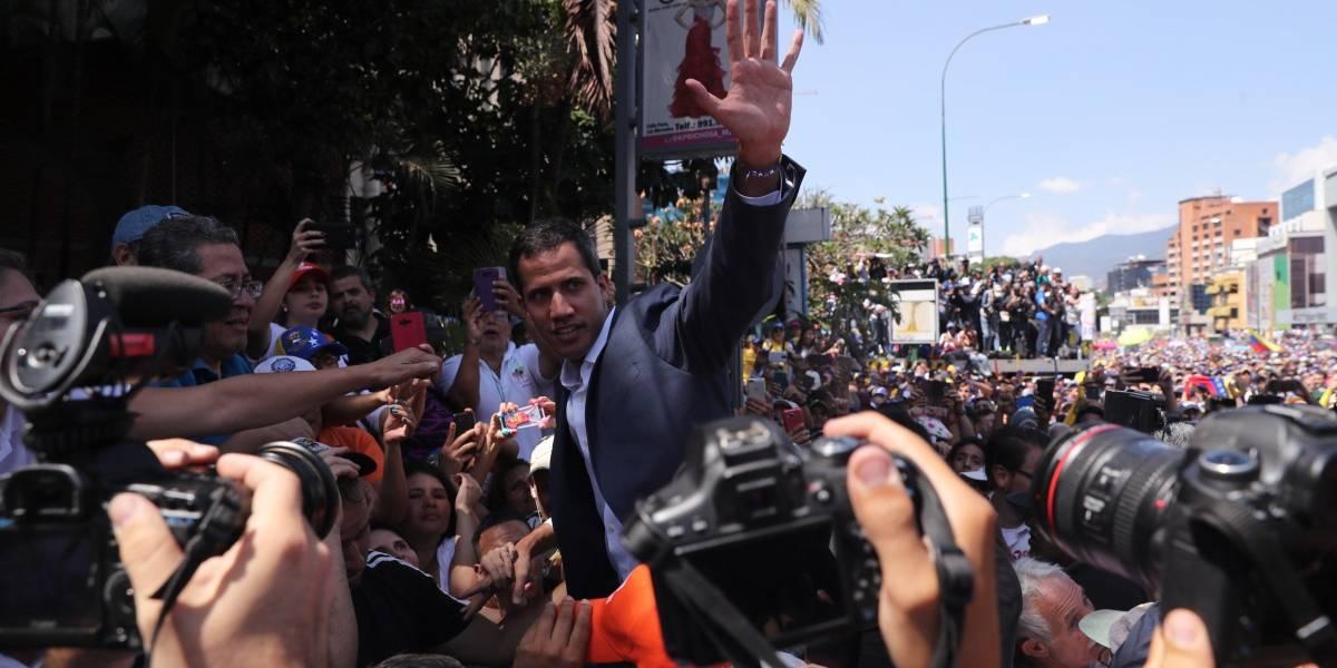 Juan Guaidó pide a soldados venezolanos expulsar al ELN de la frontera