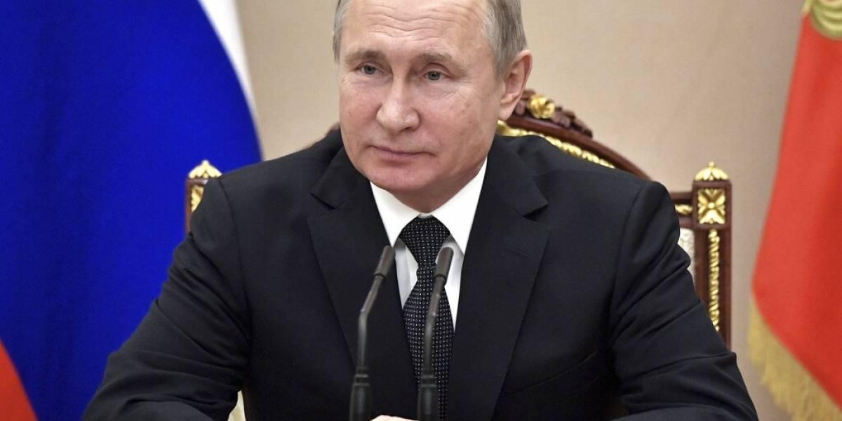 ¿Nueva carrera armamentista? Rusia también abandona el acuerdo de desarme nuclear