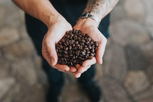 Si piensas que el café te hace más productivo, en realidad hace más por ti