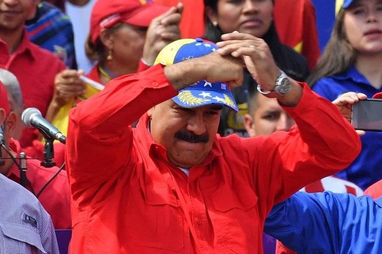 Nicolás Maduro reaparece en la plaza AFP