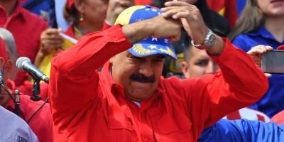 Nicolás Maduro reaparece en la plaza