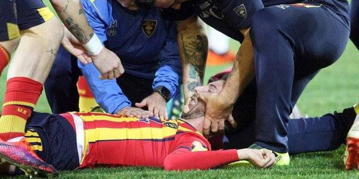 VIDEO: Brutal caída obliga a suspender partido en el futbol italiano