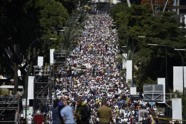 Manifestación de opositores en Caracas, Venezuela