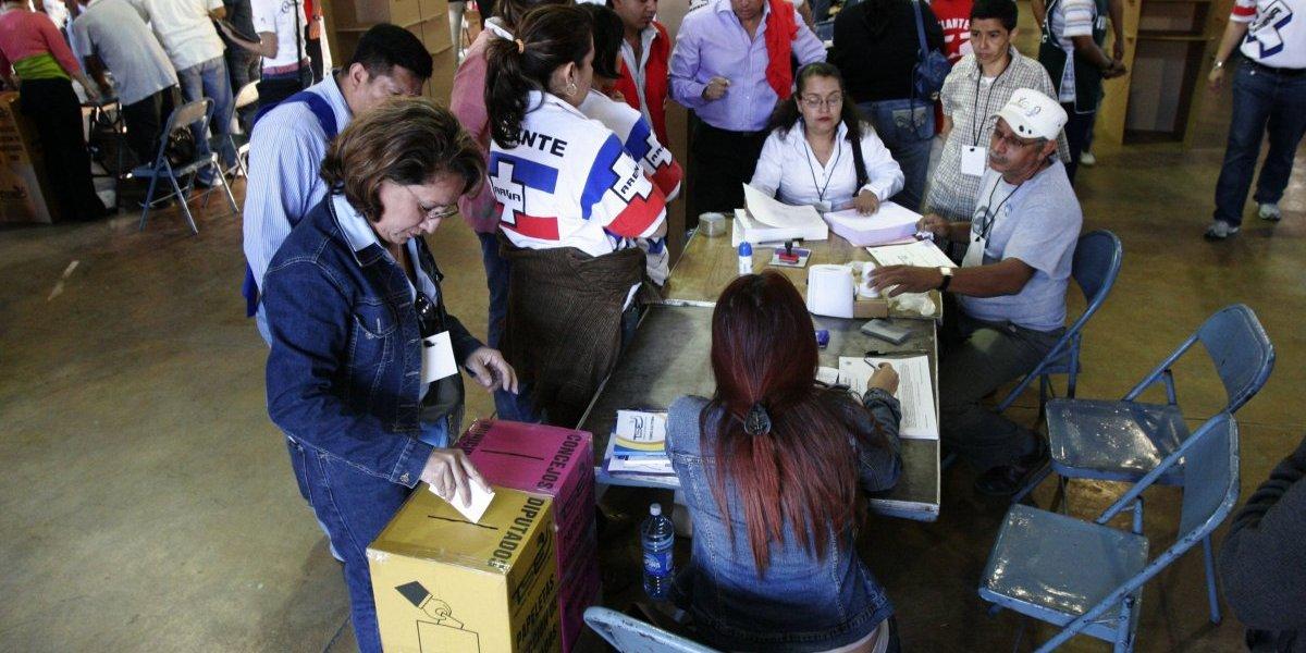 Abren los centros de votación para elegir al nuevo presidente de El Salvador