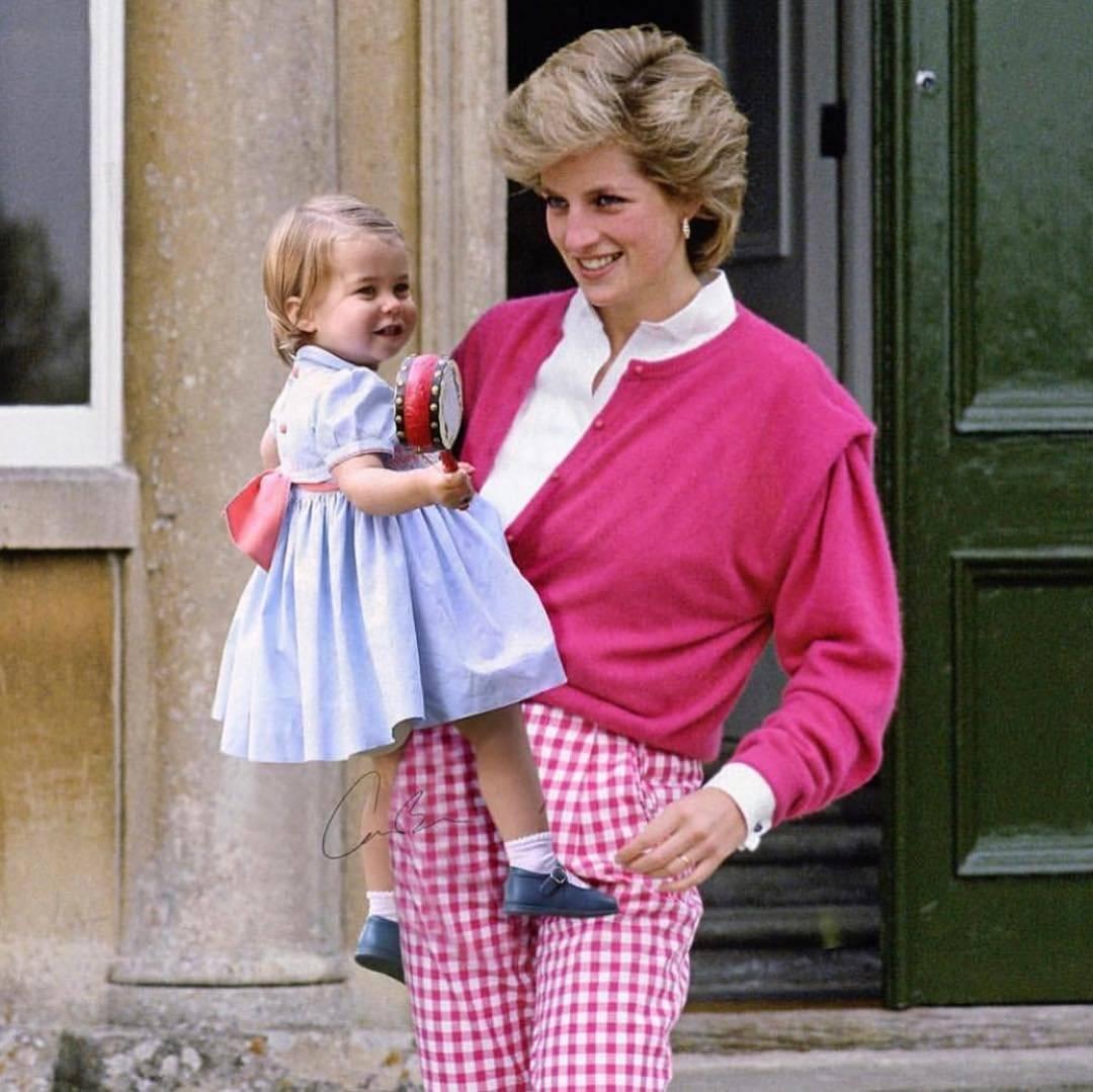 FOTOMONTAJE: Ahora podemos imaginar a la princesa Diana junto a su nieta