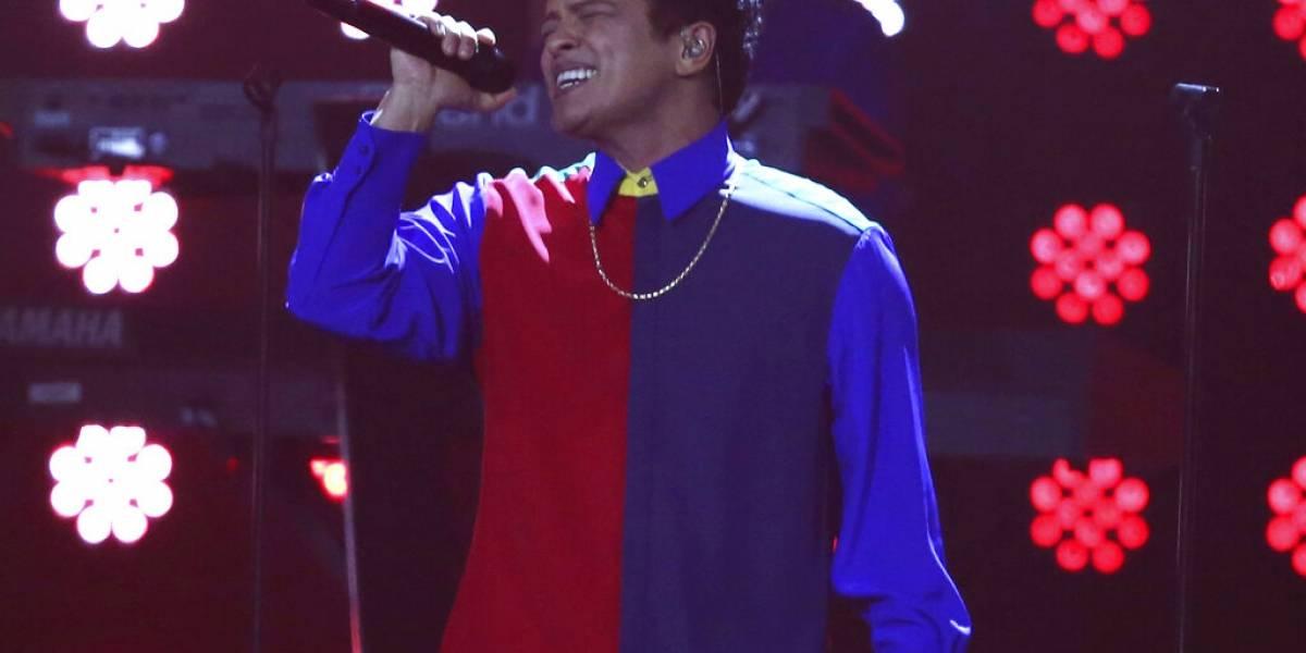 Bruno Mars ofrece un concierto estelar antes del Super Bowl