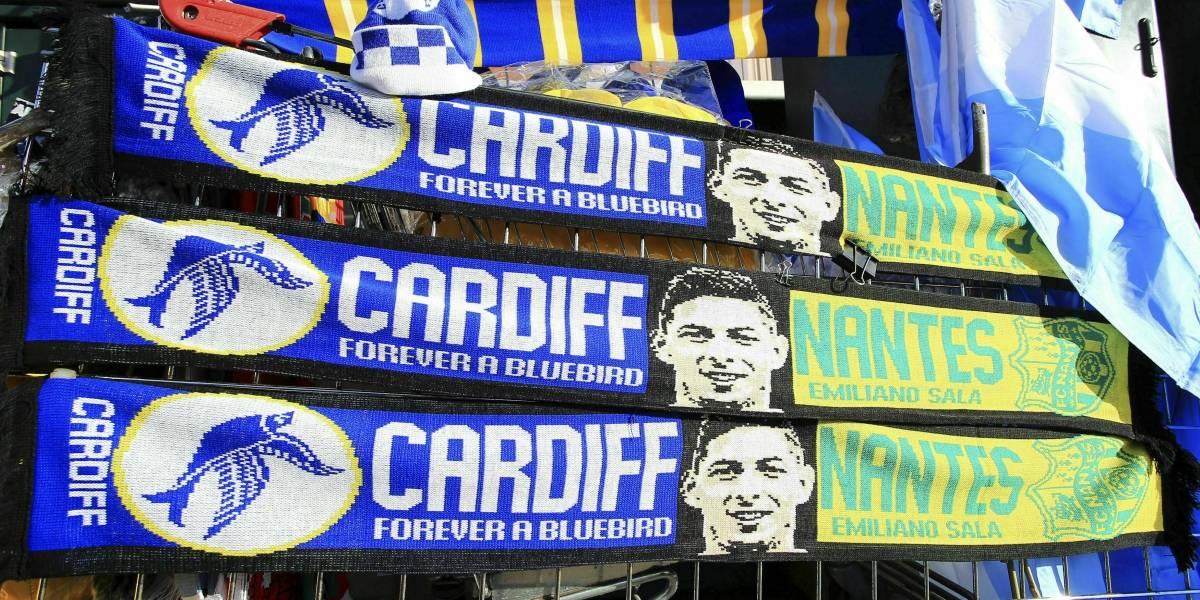 Fotos: Así fue el conmovedor homenaje a Emiliano Sala en el estadio del Cardiff City