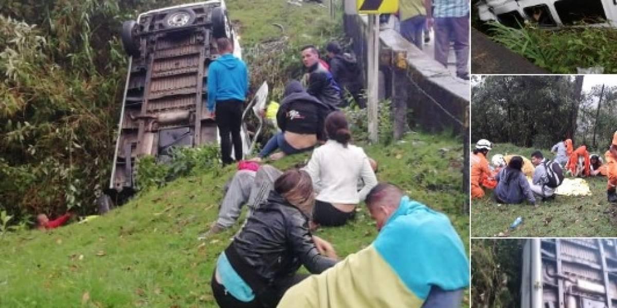 ¡Atención! Al menos tres muertos deja accidente de bus turístico en vía La Línea