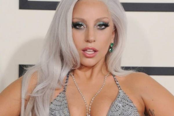 ¡Lady Gaga estaría saliendo con Ojo de Halcón de Avengers: Endgame!
