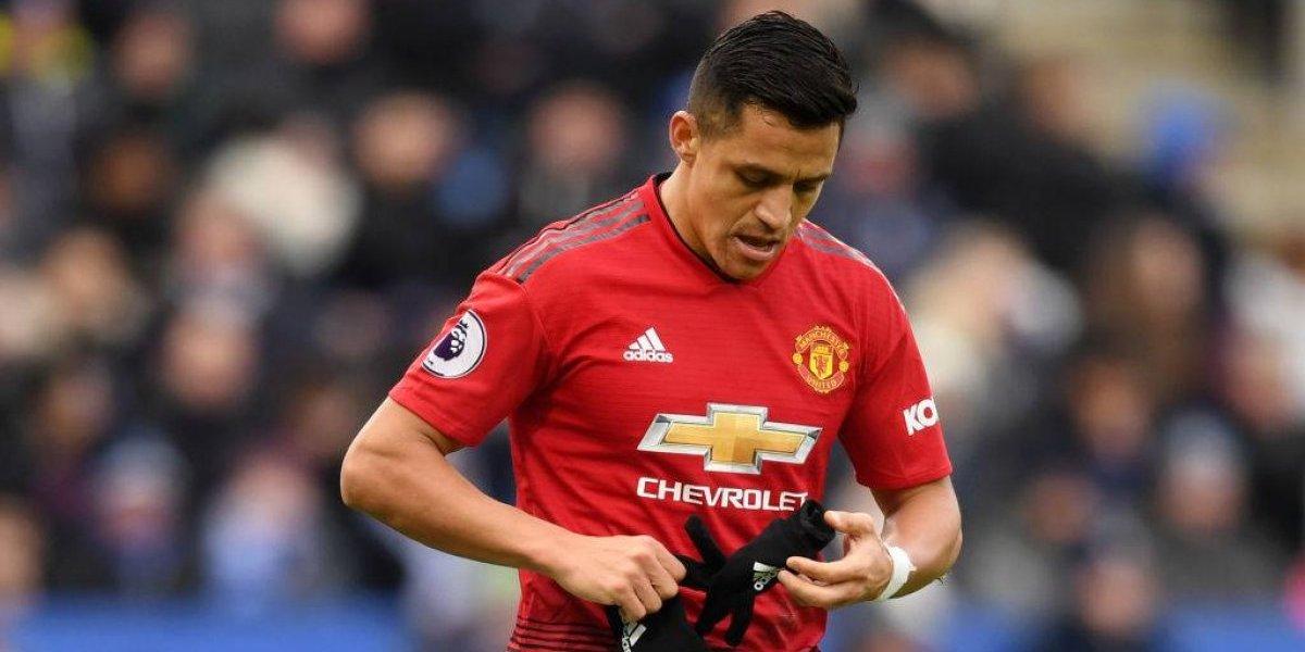 El opaco desempeño de Alexis en el United fue duramente criticado por la prensa inglesa