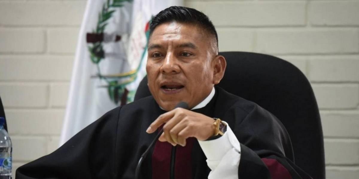 Inspector de la PNC agrede a juez Pablo Xitumul