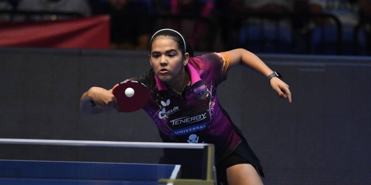 Adriana Díaz hace historia al lograr tres títulos al mismo tiempo
