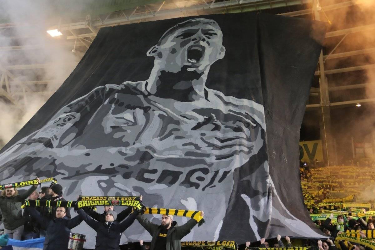 Hinchas del Nantes rinden homenaje al futbolista argentino Emiliano Sala