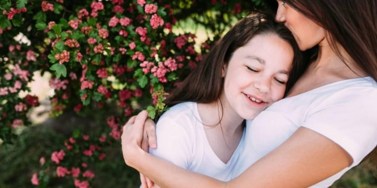 """El enorme poder de los """"abrazos"""" y sus beneficios para la salud"""