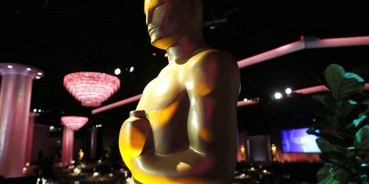Tina Fey y Jennifer López entre primeros presentadores del Oscar