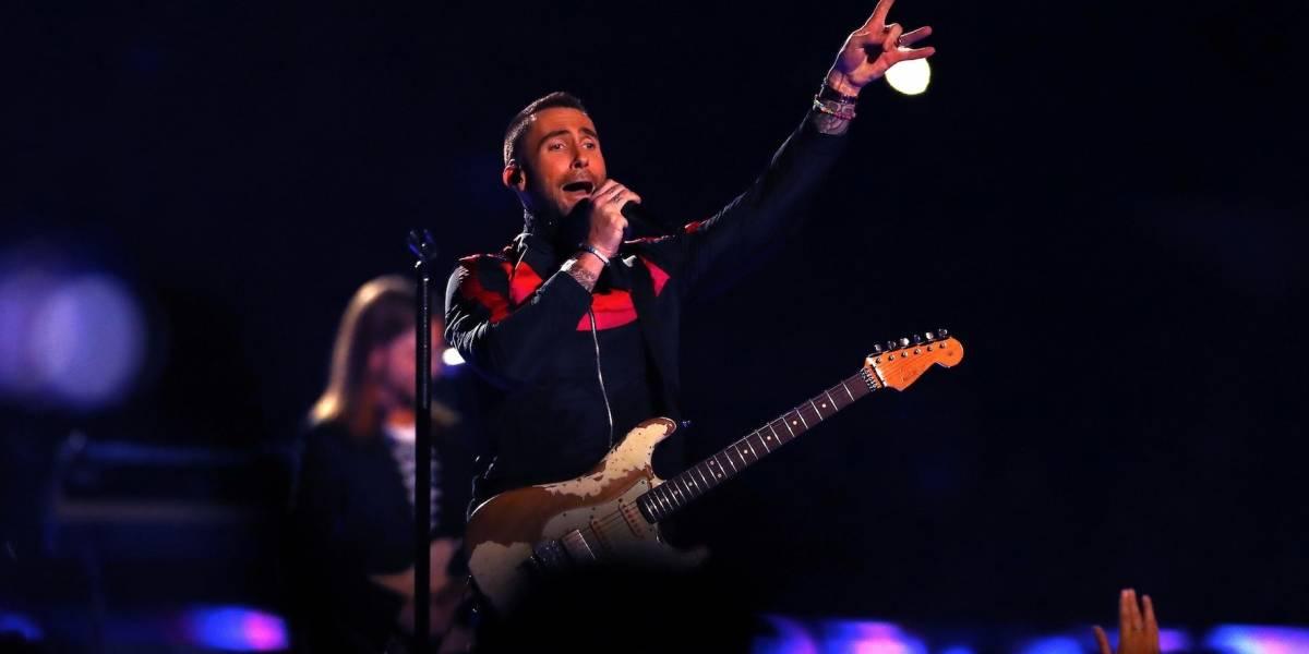 Maroon 5 desató una lluvia de fuego y críticas en el Super Bowl LIII