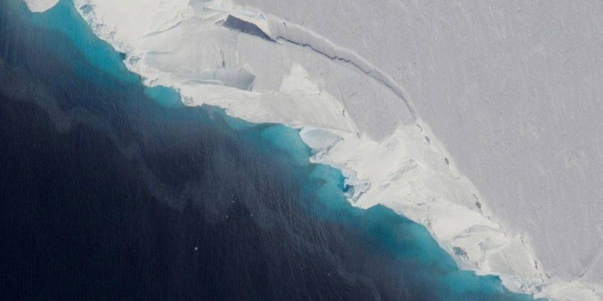 Nasa encontra um enorme buraco 'perturbador' em geleira na Antártida